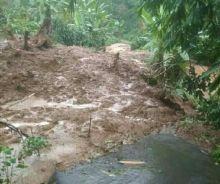 Longsor, Akses ke Desa dan Destinasi Wisata Curug Kanoman Batang Ditutup Sementara