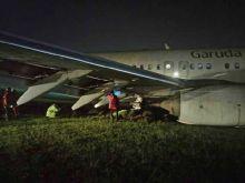 Breaking News: Pesawat Garuda B 737 NG Tujuan Jogja, Tergelincir di Bandara Adi Sutjipto
