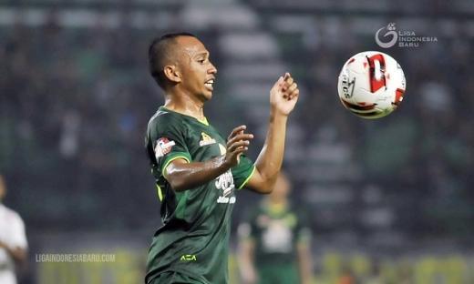 Irfan Jaya Resmi Tinggalkan Persebaya