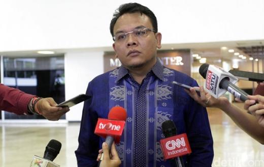 Selain Ancaman PHK, DPR Minta Pemerintah Desak Perusahaan Cairkan THR Buruh