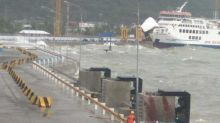 Gelombang Tinggi Capai 5 Meter, Pelabuhan Merak dan Bakauheni Ditutup