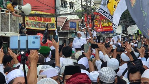 Hari Ini, Ribuan Laskar FPI Kawal HRS ke Polda Metro
