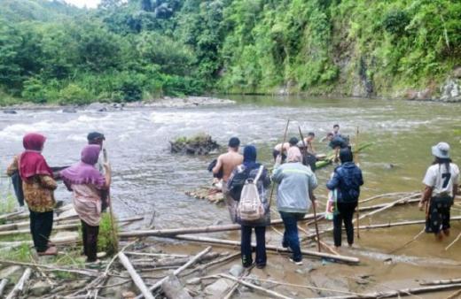 Lansia Terlantar di Tepi Sungai Gara-gara Rakit, Dewan Lebong: Camat Wajib Dicopot!