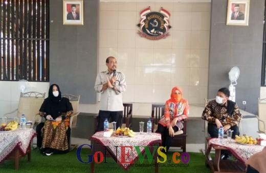 Curhat ke DPD RI, Mayoritas Orangtua di Kelapa Nunggal Ingin Anaknya Sekolah Tatap Muka