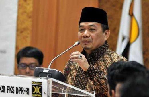 Beratkan Masyarakat, Fraksi PKS Desak Pemerintah Urungkan Kenaikan Iuran BPJS