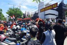 Massa Pendemo Gatot Nurmantyo di Surabaya Ternyata Dibayar, Begini Pengakuannya