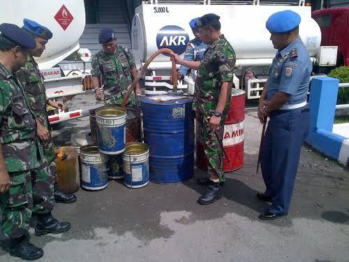 Libur Tahun Baru, Tim WFQR Lantamal IV Amankan 20 Ton BBM Ilegal dari Kapal KM Hang Tuah di Kepri