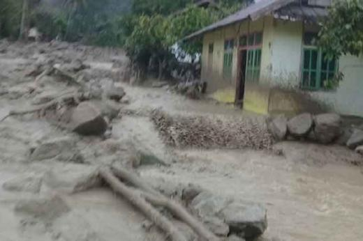Poso Diterjang Banjir Bandang, Puluhan Rumah Terdampak dan 900an Jiwa Mengungsi