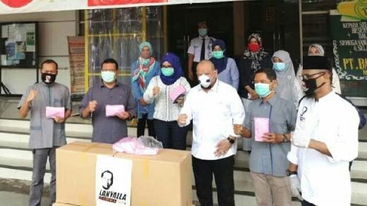 Bantu APD-Sembako ke Rumah Sakit, Masjid dan Ponpes, Ketua DPD Minta Rakyat Awasi Anggaran Covid-19