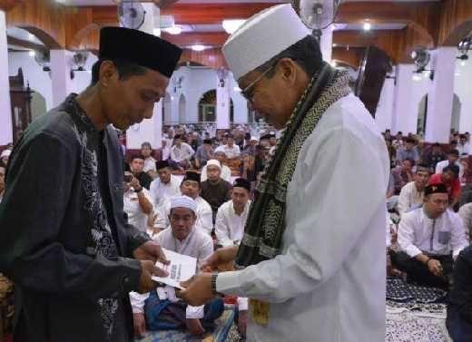 Bakal Sambangi 158 Masjid, Taufan Pawe Jadikan Safari Ramadan Pemkot sebagai Perekat Silaturahmi