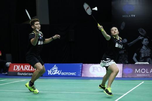 Tundukkan Akbar/Winny, Praveen/Melati Juara