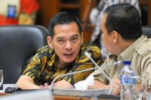 PKB Sentil Kemenkum HAM Gara-gara Salah Ketik UU Cipta Kerja