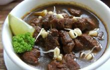 Usai Rendang Mendunia, Kini Rawon Sabet Posisi Pertama Sup Terenak se-Asia