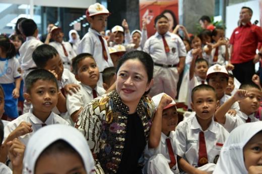 Puan: Indonesia Butuh Data Khusus Anak Yatim/Piatu akibat Covid-19