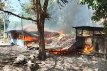 Satu Orang Tewas dan Beberapa Rumah Dibakar dalam Bentrokan di Kupang