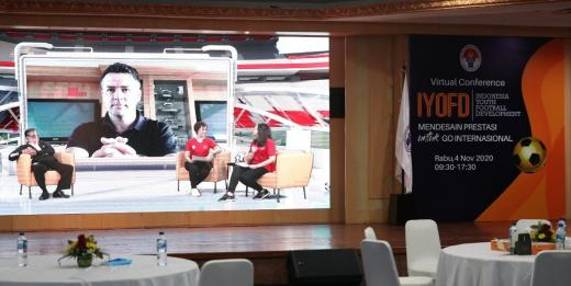 Michael Owen Cerita Masa Kecil di Acara Virtual IYFD