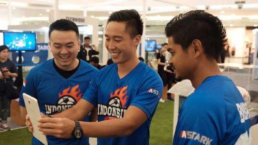 Aplikasi ASTARK: Football Trading Card Games Berkonsep Augmented Reality Sepak Bola Pertama di Indonesia