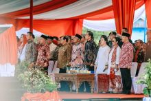 Resmikan Monumen Fatmawati, Sultan Bakhtiar Najamudin: Jokowi Berikan Contoh Menghormati Pahlawan