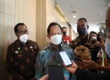 Tegur Gubernur Papua, Tito: Kalau Komunikasi dengan Saya Pasti Kami Izinkan