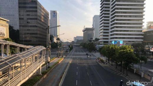 Jalanan Jakarta Sepi di Pagi Hari, Tebet-Monas 15 Menit!