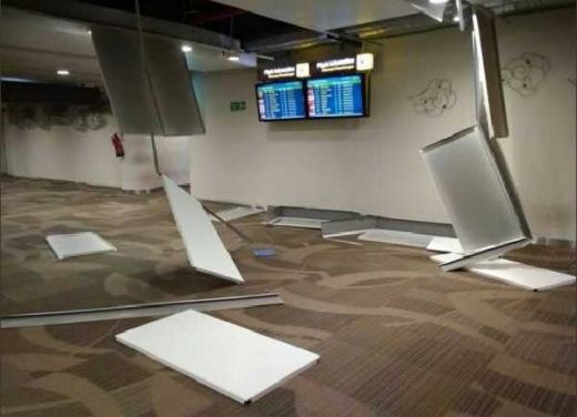 Gempa Susulan di Lombok, Plafon Bandara Ngurah Rai Bali Rusak, Penumpang Berhamburan