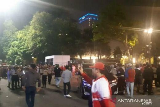 Tembakan Gas Air Mata Bubarkan Penonton Timnas Indonesia