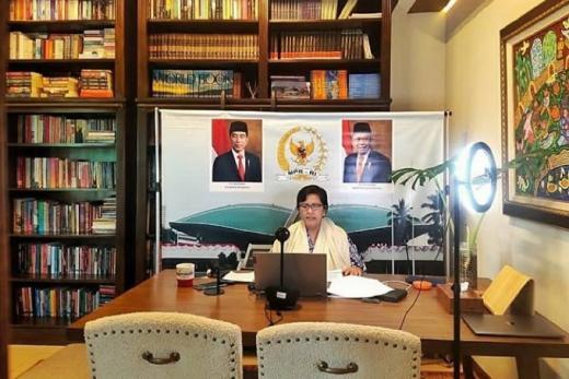 MPR Ungkap Pemanfaatan Batik dalam Politik
