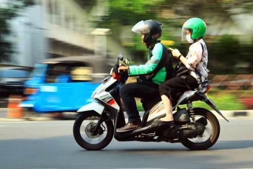 Jalan Masuk Jakarta Disekat, Ojol Bingung Antar Pesanan