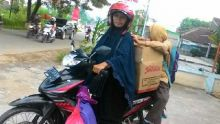 Beginilah Perjuangan Komunitas Sedekah Nasi Bungkus untuk Warga Miskin di Lampung