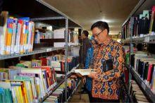 Minat Baca Masyarakat Rendah, Ini Saran Komisi X DPR ke Pemerintah