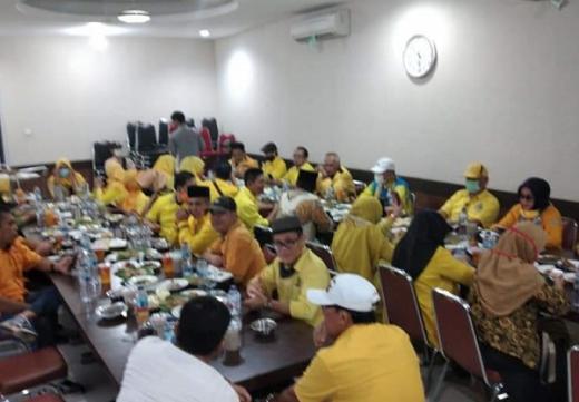 Buka Puasa Bersama Saat Corona, Gubernur Bengkulu Abaikan Social Distancing?