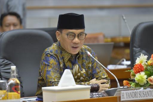 Tak Cuma Soal Dai dan Radikal, DPR Juga Cecar Menag Sunat Dana BOS Madrasah Rp100 Ribu Per Siswa