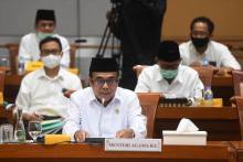 Dicecar DPR, Menag Fachrul Akan Kembalikan Dana BOS Madrasah yang Dipotong