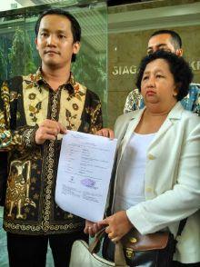 Meski Membantah, Anggota DPR, Marinus Gea, Tetap Dilaporkan ke MKD oleh Ibu Rumah Tangga asal Nias Ini