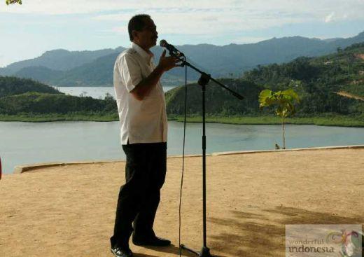 Ungkapan Sakti Menpar Arief : Membuktikan Mandeh Sukses, Lebih Baik dari 1.000 Kata Sambutan
