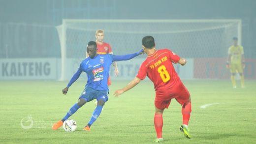 Konate Bilang Permainan Arema FC Tak Terlihat