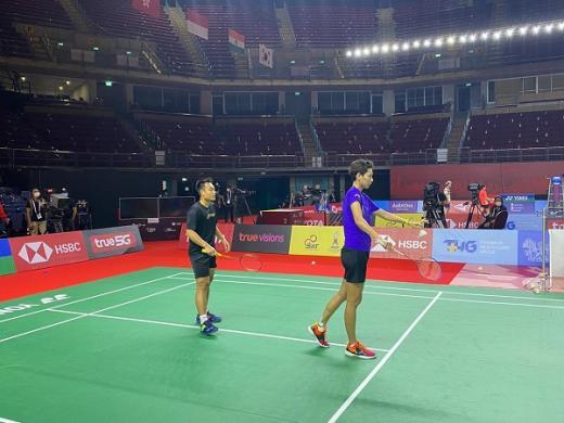 Timnas Bulutangkis Indonesia Mulai Beradaptasi dengan Impact Arena