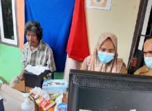 Kolaborasi Dukcapil-Kemensos Bantu Suku Anak Dalam di Masa Pandemi