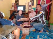 Prihatin Dampak Corona, DPD IPK Riau Serahkan Bantuan Sembako ke Warga Kurang Mampu