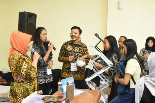 Stand MPR Hadir di Festival Konstitusi dan Anti Korupsi di UGM Yogyakarta