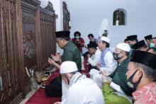 Ziarah Makam Sultan Maulana Hasanuddin Banten, Gus Jazil Doakan Indonesia Tetap Aman dan Jauh dari Musibah