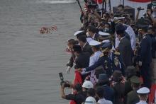 Hari Pahlawan Nasional, Puan Pimpin Tabur Bunga di Muka Laut Teluk Jakarta