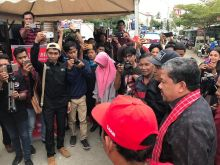 Fahri Hamzah Ajak Pemuda Sulbar Berani dengan Literasi