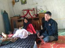 Dedek Bayi Pengidap Omfalokal di Kampar Dapat Bantuan dari Forum Pekanbaru Bertuah