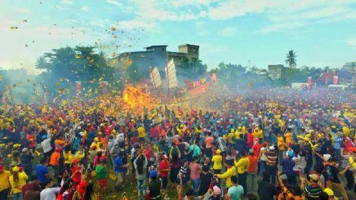 Wauw...Ribuan Wisatawan Tumpah Ruah di Festival Bakar Tongkang Bagansiapiapi
