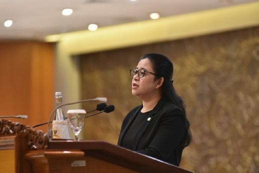 DPR Minta Pemerintah Pastikan Penerapan Prokes dan Jamin Keamanan Vaksin