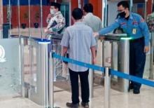 DPR Sosialisasikan Penerapan Kartu Akses Keluar-Masuk Gedung, Akses Liputan masih Dibantu Pamdal