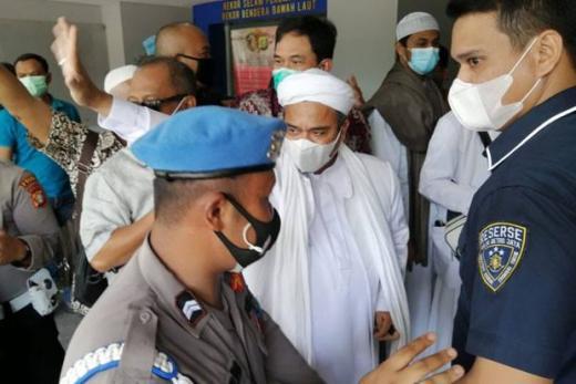 Datangi Polda Metro Jaya, HRS Minta Pendukungnya Tak Ikut dan Berdoa di Rumah