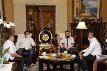 Bamsoet Dukung Gerakan Nasional Kembali ke Masjid dengan Sejuta Sajadah Pelindung Covid-19