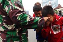Ikut Demo Tolak Omnimbus Law, Pelajar STM Salim dengan TNI